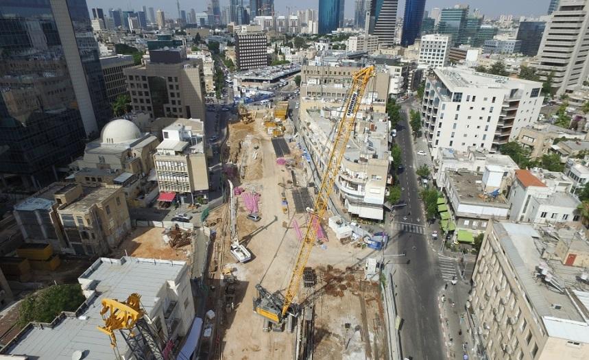 Una vista aérea de los trabajos para el tren ligero de Tel Aviv