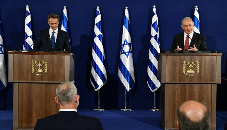 El primer ministro de Grecia, Kyriakos Mitsotakis, y su colega de Israel, Benjamin Netanyahu, durante una conferencia de prensa en Jerusalén