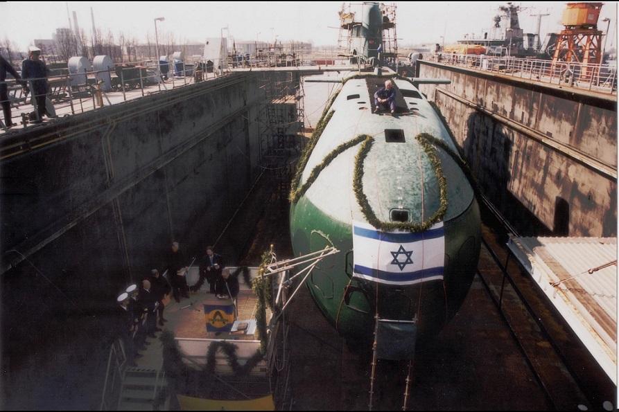 El lanzamiento del submarino israelí Dolphin en los astilleros alemanes en Kiel