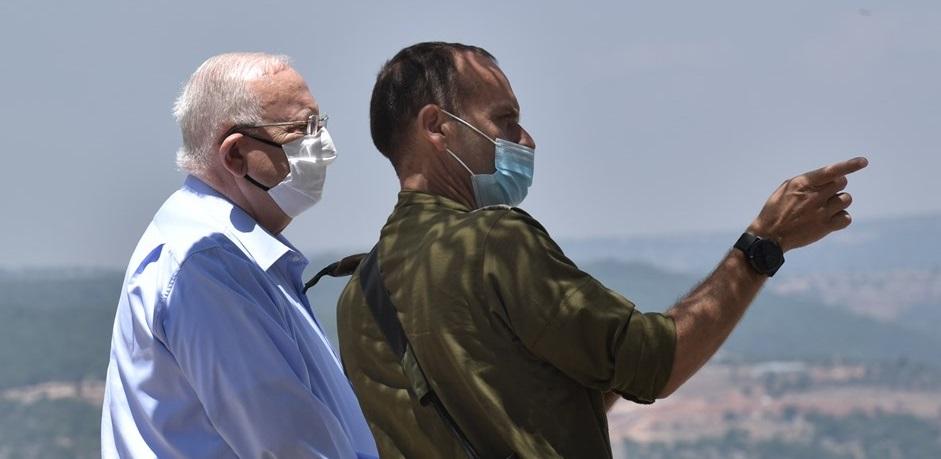 El presidente de Israel, Reuven Rivlin, durante una reciente visita a la frontera con El Líbano